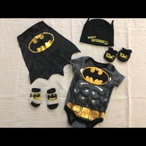 Batman 0-3 Newborn onesie costume